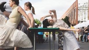 Danse de marché de la compagnie Danse To Go | Parc Médéric-Martin mardi 9 août 2016 à 19 h