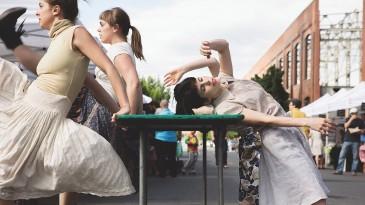 Danse de marché de la compagnie Danse To Go   Parc Médéric-Martin mardi 9 août 2016 à 19 h