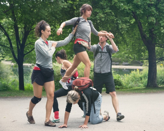 Procession du collectif Ballet de ruelles